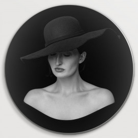 black-and-white woman (5080.1008)